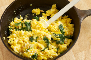 Scrambled-Eggs-with-Spinach-Feta-and-Pine-Nuts-9